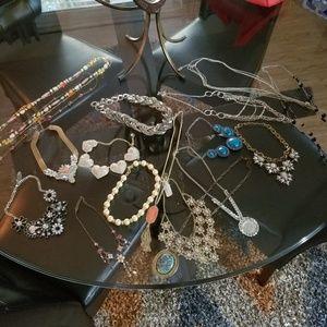 20 piece Jewelry rhinestone collection costum LOT